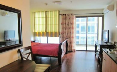 Ideo-Sathorn-Taksin-Bangkok-condo-Studio-for-sale-1